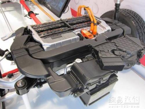 2013款奥迪Q5混合动力版13