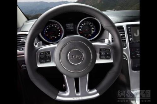 试驾2012款吉普大切诺基SRT8