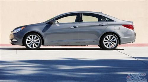 2013款现代索纳塔价格上调 取消手动挡车型
