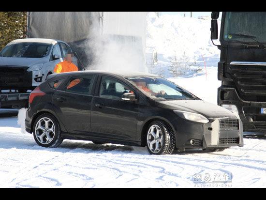 福特福克斯变速箱拆解 福特福克斯 福特福克斯三厢2014款 高清图片