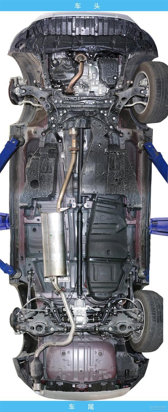 它的结构简单占用空间少,便于横置发动机舱的布置.