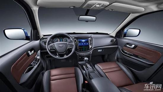 车身尺寸方面,2017款海马S7车型相较于现款车型在车身尺寸方面发生了较大变化。该车型的长宽高分别为4480mm/1860mm/1715mm相较于现款车型,其长度缩短了50mm,宽度增加了30mm,高度增加15mm。另外,2017款海马S7车型由于轴距与现款车型保持了一致,为2619mm,所以该车型的内部空间并未发生变化。