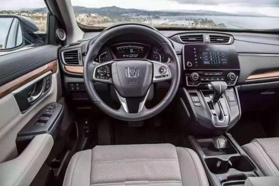 会计看片援交上司:这3款经典SUV推荐 怎么买都不会错