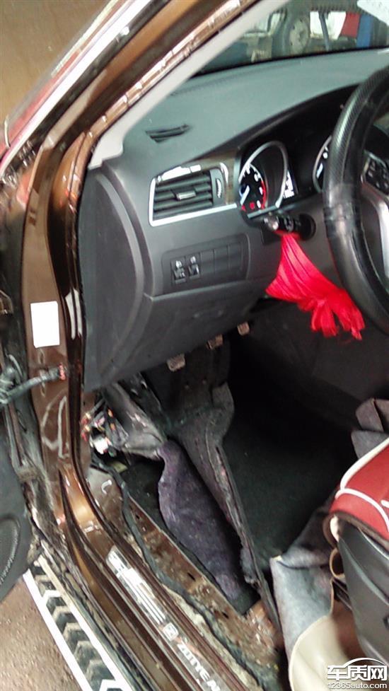众泰t600驾驶室内漏水 方向盘转向异响 - 车质网