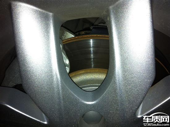 江淮瑞风S3刹车盘生锈越来越严重高清图片