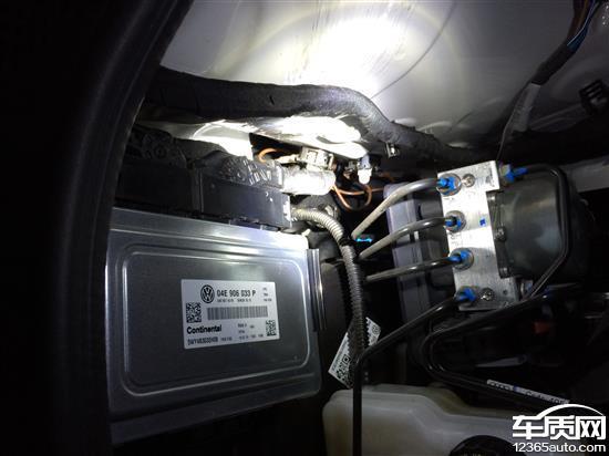 上海大众桑塔纳-尚纳发动机舱漏水