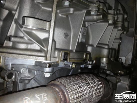 雪佛兰科鲁兹新车变速箱漏油