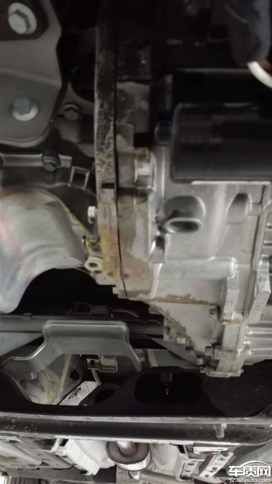 发动机油封漏油 凯越发动机漏油 威驰发动机漏油