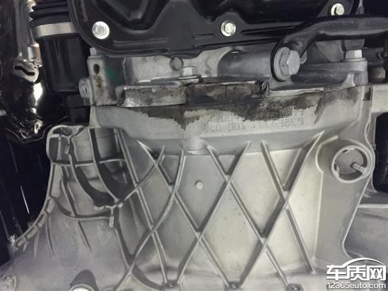 fortwo发动机与变速箱连接处漏油