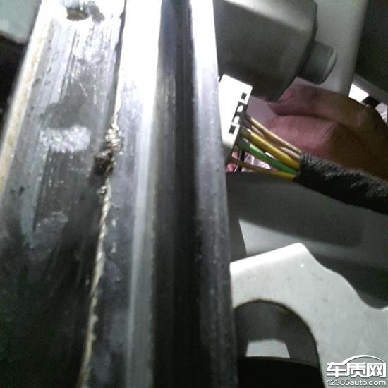 东风雪铁龙c5玻璃升降器钢丝断裂