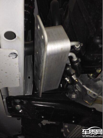 奇瑞瑞虎3发动机冷油器油管异响