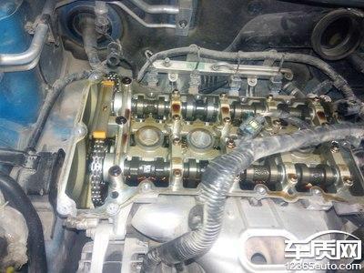 上汽MG3发动机正时链条拉长跳齿高清图片