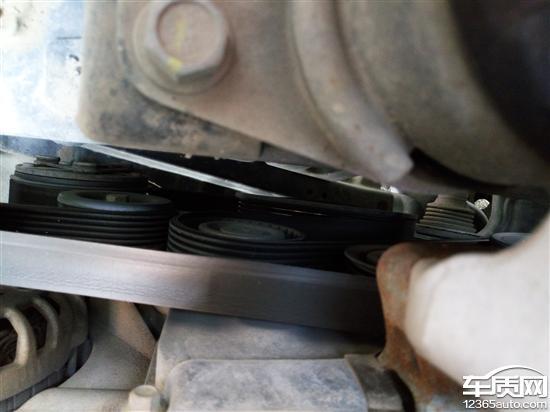 长安cs75发动机皮带盘断裂无法启动