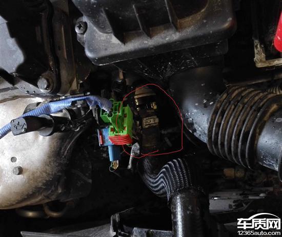 东风雪铁龙爱丽舍发动机渗漏油漏防冻液高清图片
