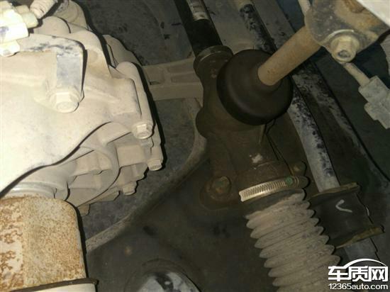 宝骏730方向机漏油 加油发动机异响高清图片