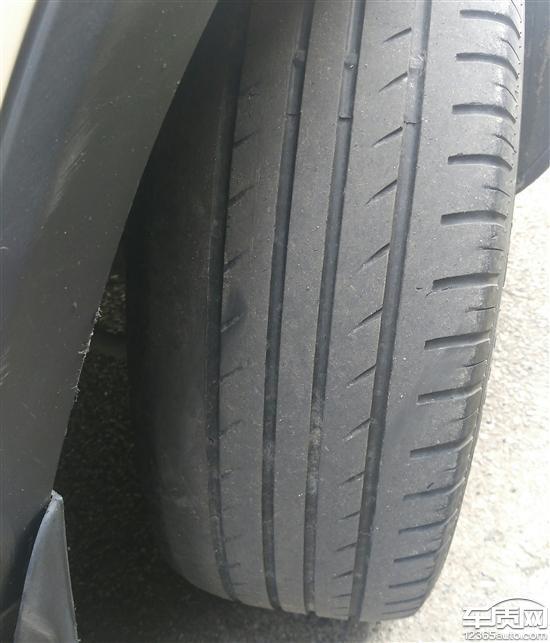 江淮瑞风S3前轮轮胎吃胎偏磨严重高清图片