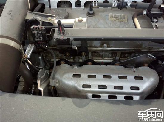 众泰t600发动机渗油 变速箱和离合器异响
