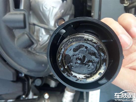 东风标致408发动机机油乳化 防冻液泄漏