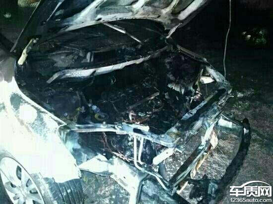 郑州海马M3行驶2分钟后车辆自燃