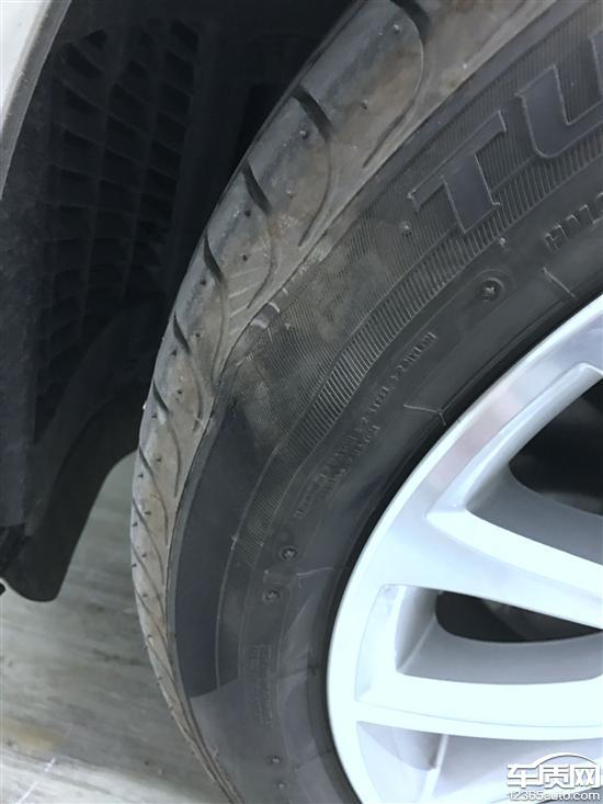 华晨宝马5系普利司通轮胎鼓包 4S店不予索赔高清图片