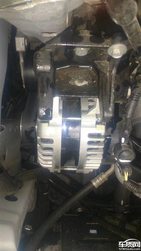 东风风神ax7发动机喷油嘴漏油 要求厂家处理