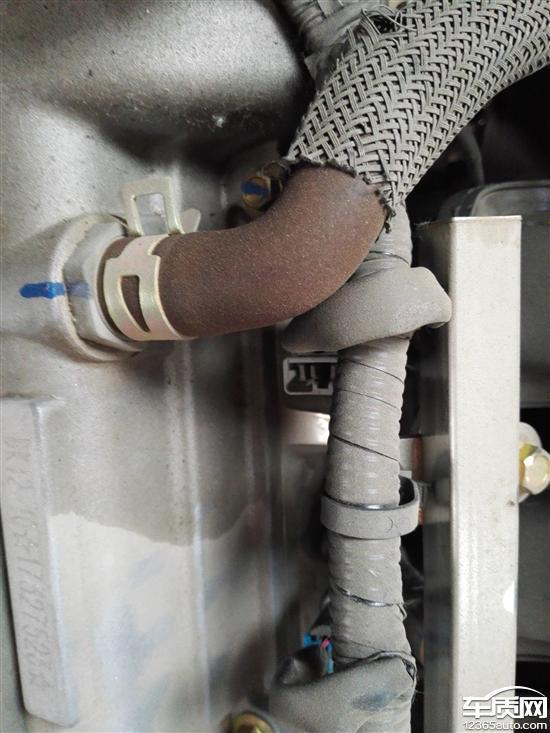东风小康k01发动机漏油