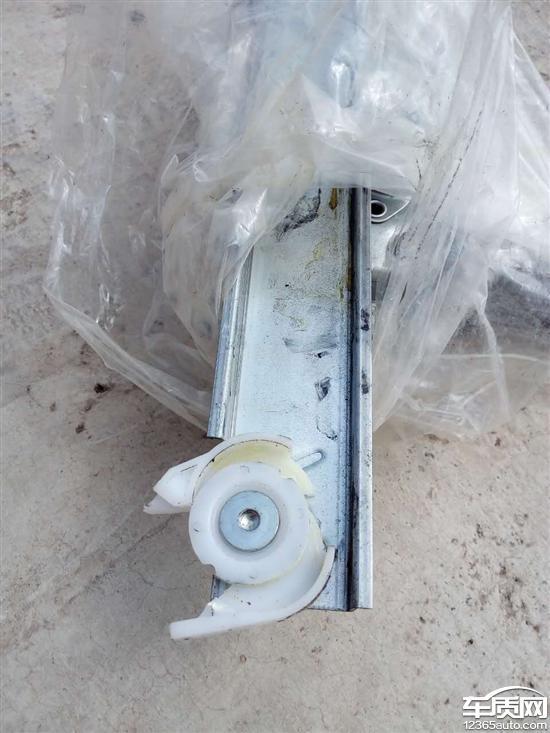 宝骏730玻璃升降器滑轮多次损坏