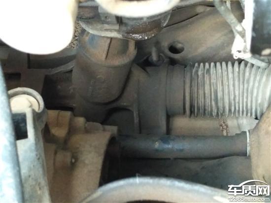 上汽大众朗逸发动机变速箱减震器刹车泵漏油