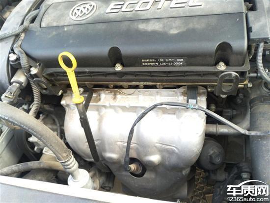 别克英朗gt发动机渗油 水泵漏水严重