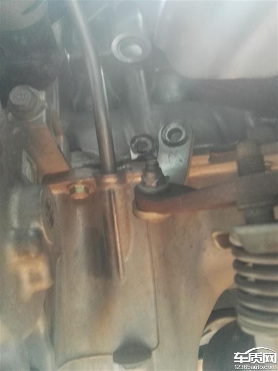 一汽丰田威驰发动机异响 螺丝断裂图片