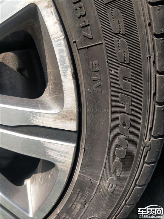 东风标致408固特异轮胎开裂4S店不予解决