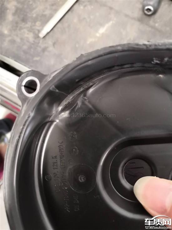 一汽大众速腾启动后发动机异响水泵损坏