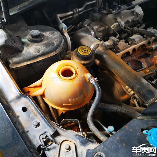 众泰T600涡轮增压器附近渗水4S店拒绝维修