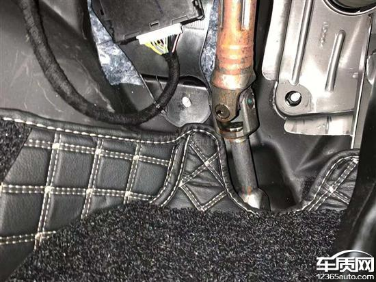 领克01转向柱生锈要求厂家尽快处理