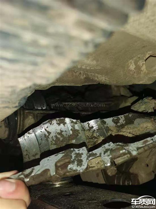 坦克300分动箱壳破裂_传动轴连接处损坏_-_车质网