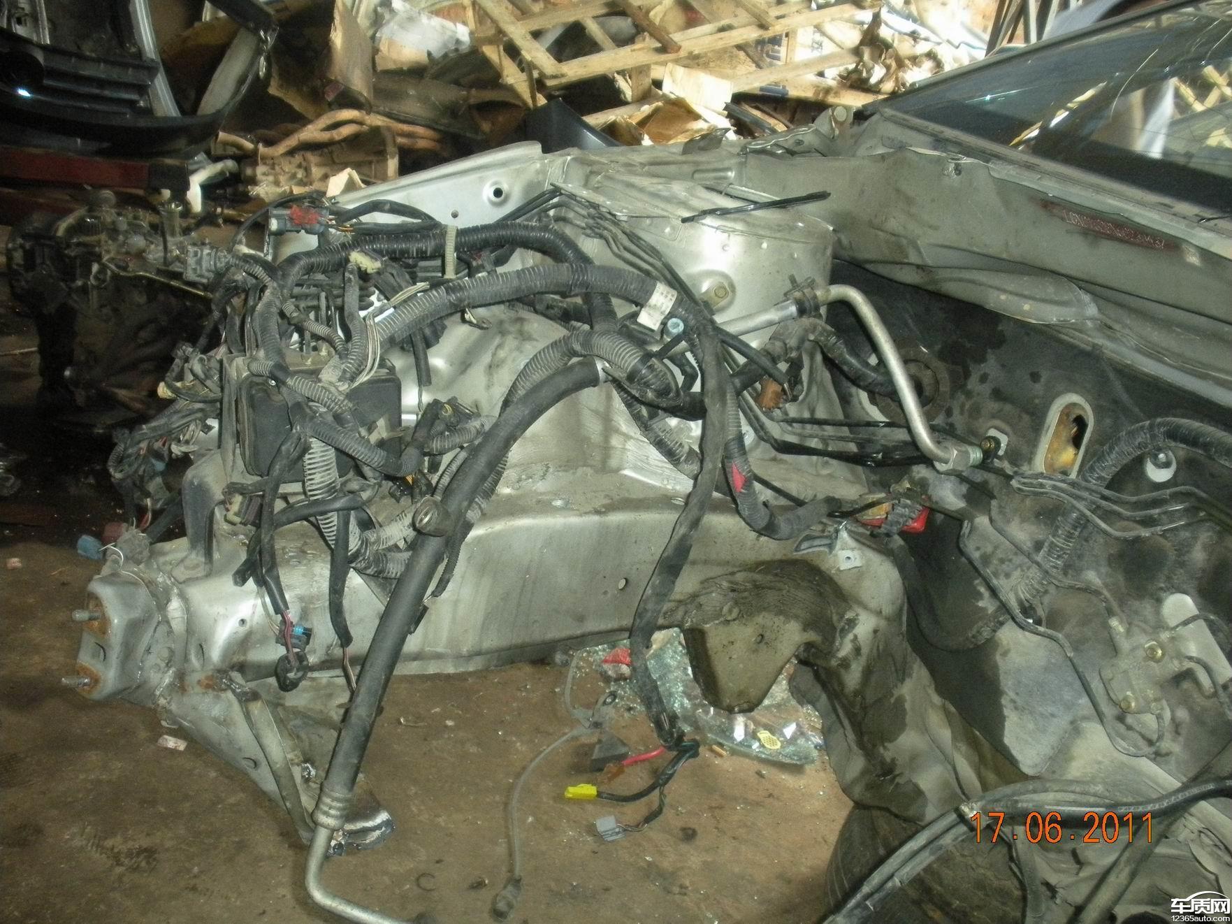 比亚迪f3发生严重碰撞气囊未弹开