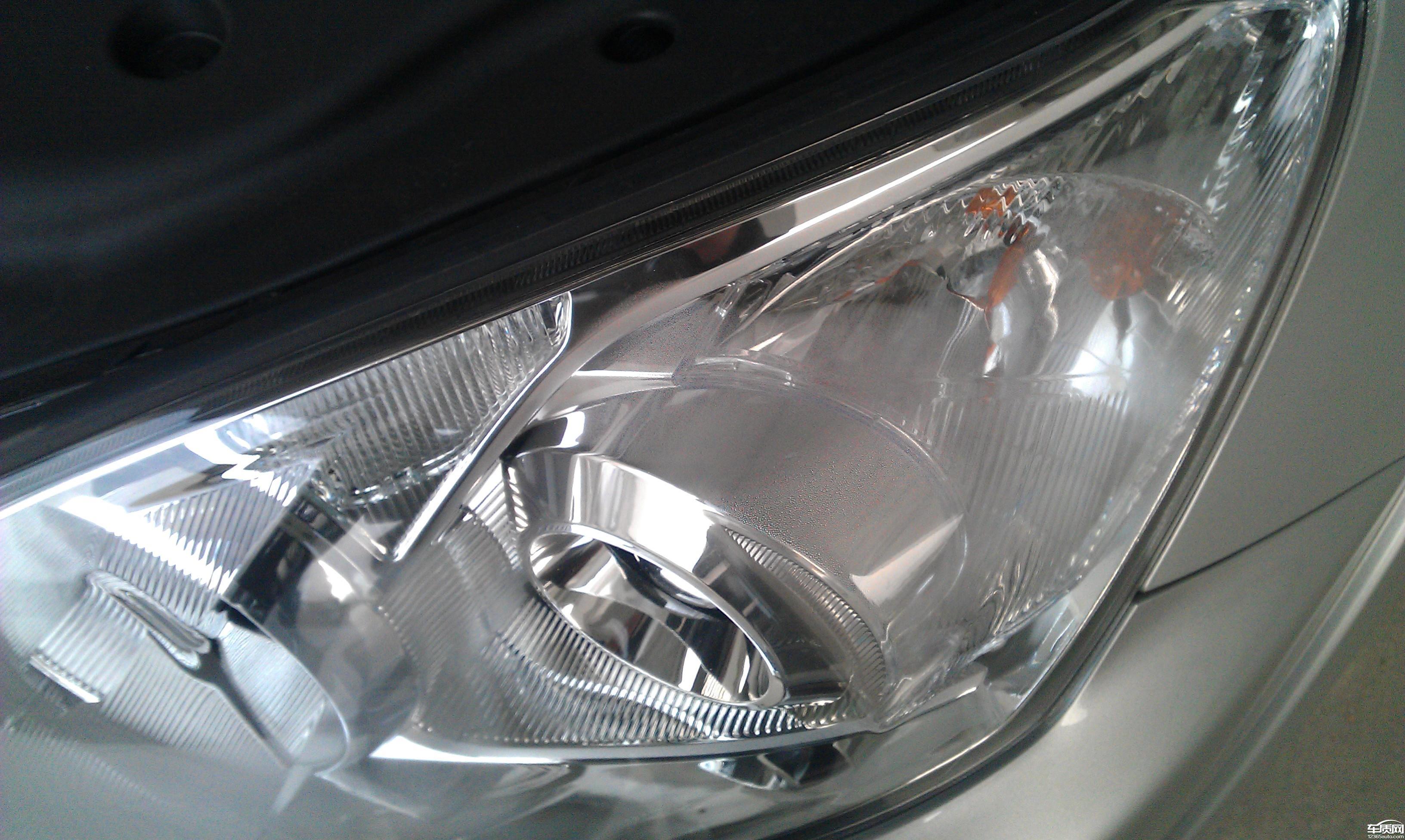 一汽丰田rav4前大灯雾灯进水问题