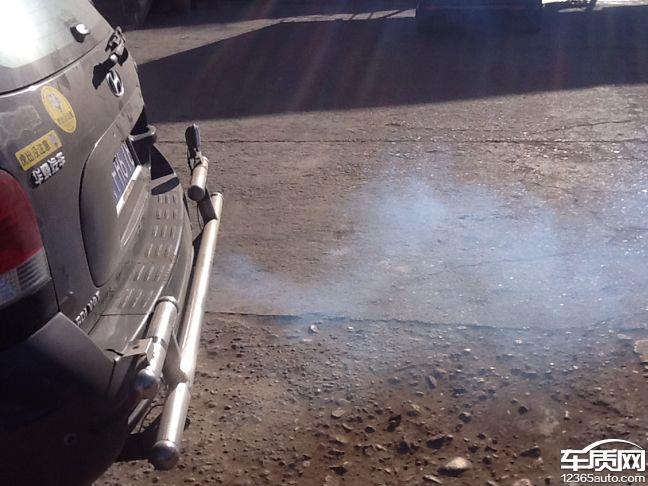 华泰圣达菲新车发动机烧机油 高清图片