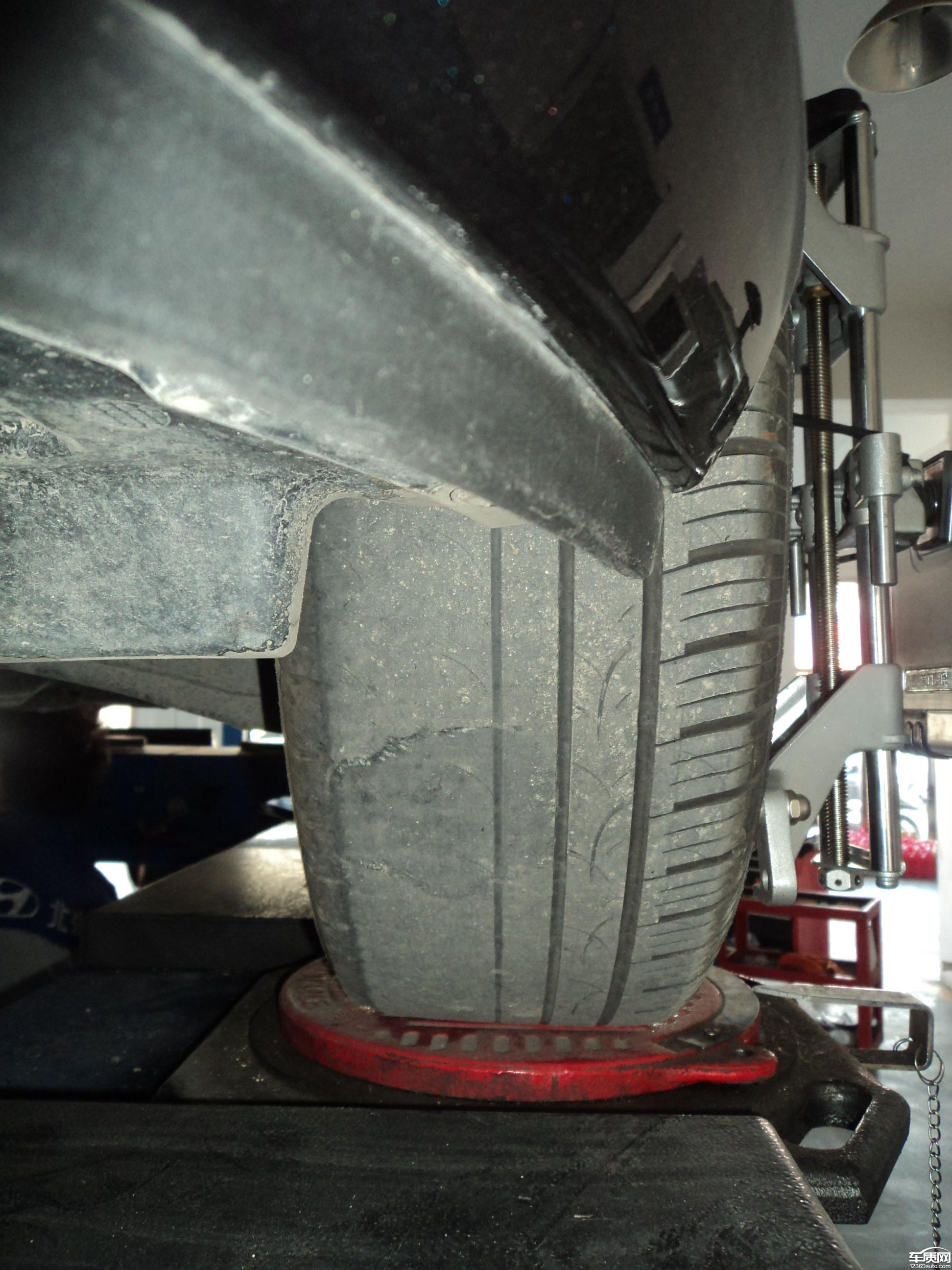 北京现代伊兰特悦动新车轮胎磨损严重高清图片