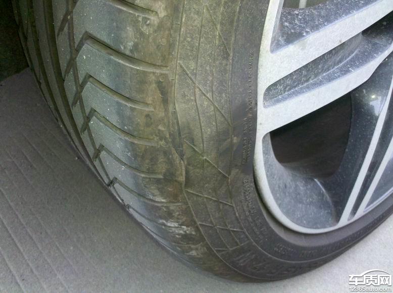 宝马汽车轮胎鼓包变速箱故障频发 问题难解决高清图片