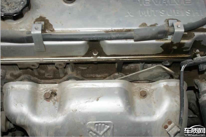 华泰圣达菲新车发动机漏油问题 高清图片