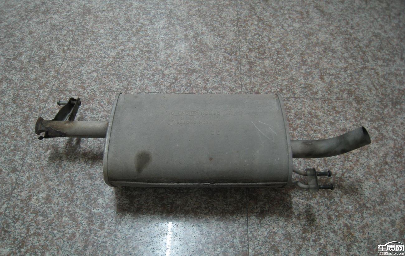 北京现代伊兰特悦动排气管锈蚀问题