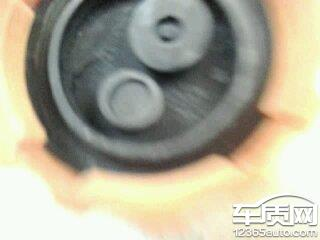 别克凯越水箱盖质量问题导致发动机燃烧高清图片