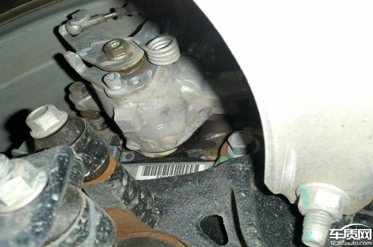 别克君越变速箱换挡顿挫抖动刹车分泵漏油