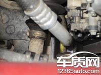 长安福特福克斯正时链条断裂发动机不断漏油 高清图片