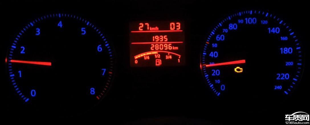 一汽大众宝来行驶中故障灯闪烁发动机抖动无力图片