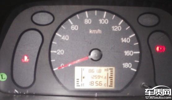 上汽通用五菱之光发动机水温高高清图片