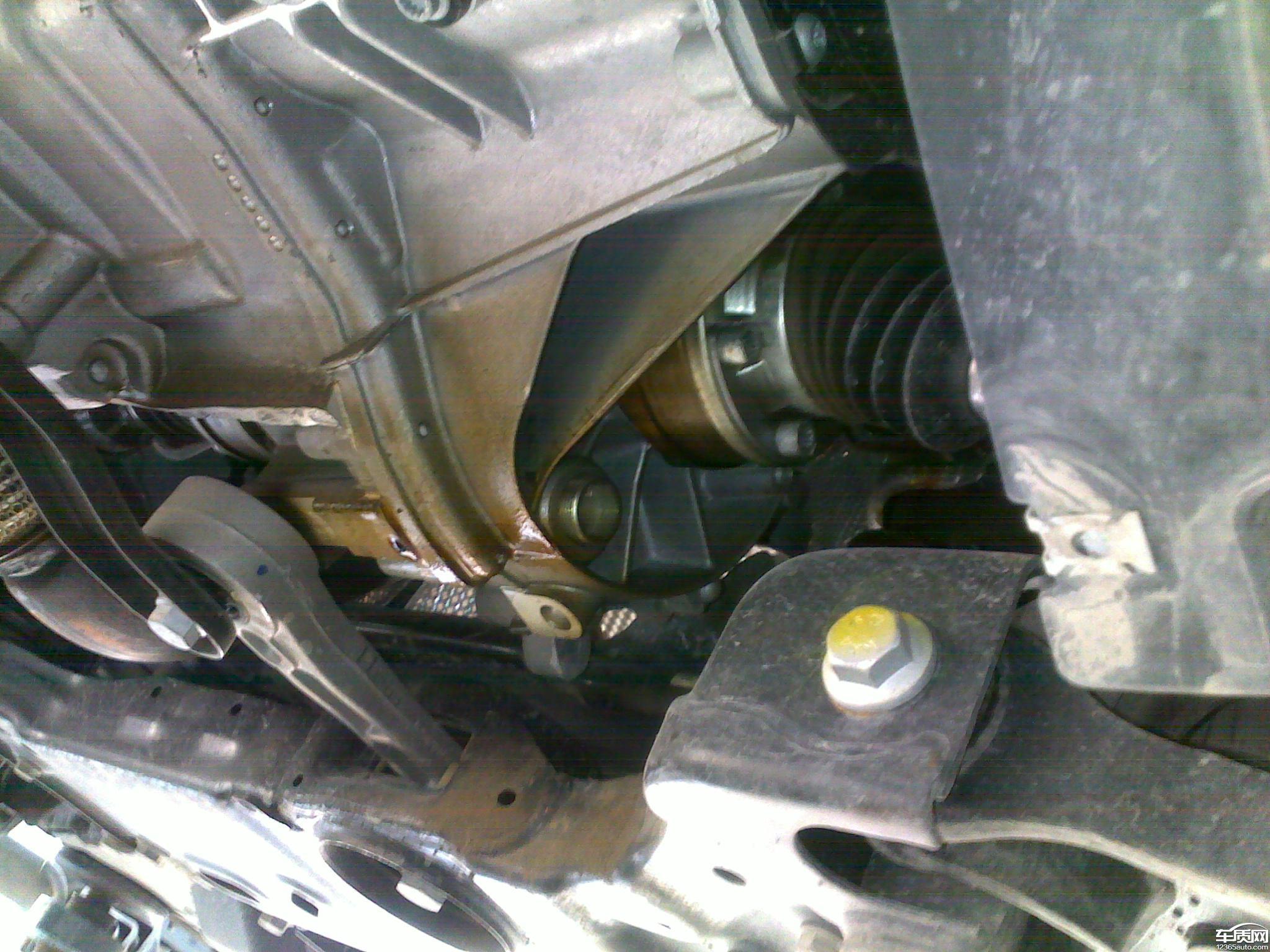 斯柯达明锐新车左半轴严重漏油