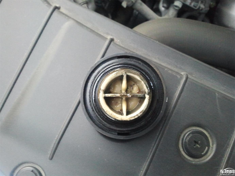 长安逸动发动机机油出现乳化