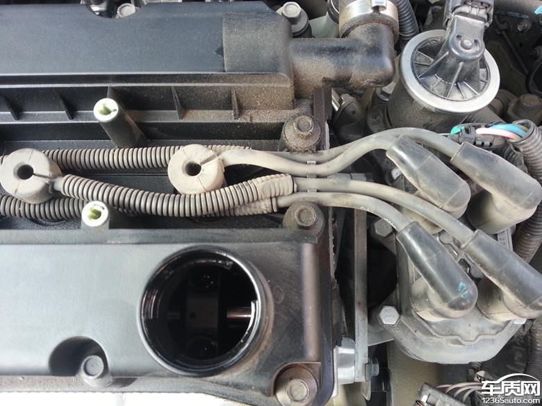 别克凯越油底壳及发动机气门盖渗机油